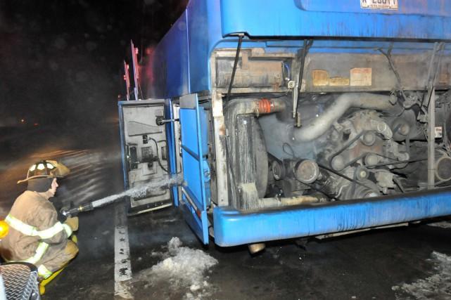 Un incendie s'est déclaré dans le moteur d'un... ((Photo Michel Tremblay))
