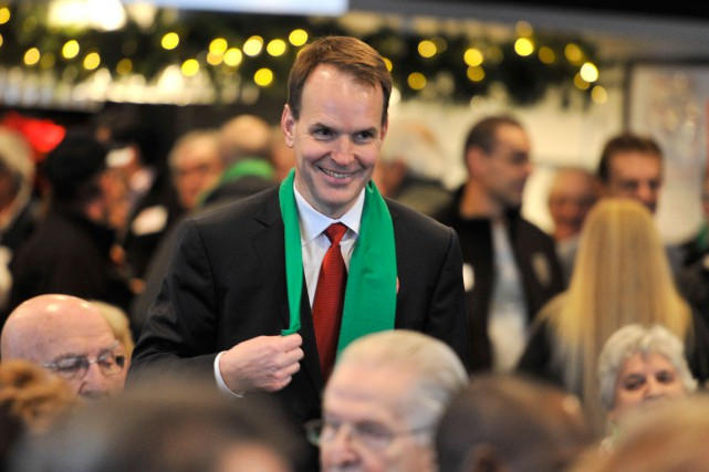 Steve MacKinnon a défait le candidat Yves Samson... (Martin Roy, LeDroit)