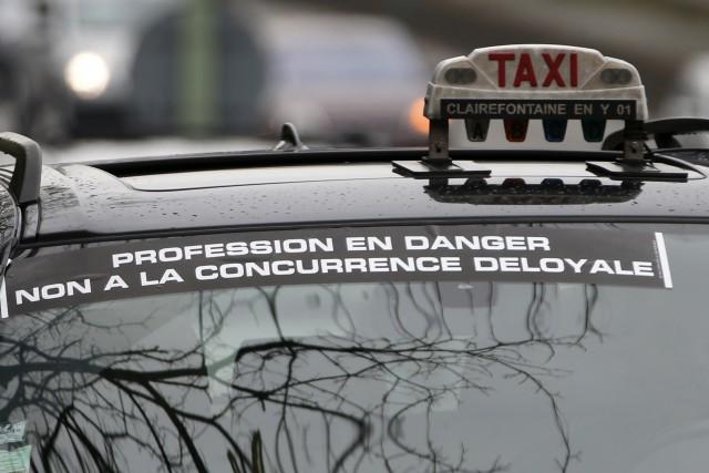 Le gouvernement français a annoncé lundi que le service UberPop sera interdit... (Photo CHARLES PLATIAU, Reuters)