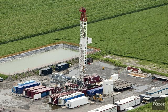 Photo aérienne d'un forage pour trouver du gaz... (La Presse, François Roy)