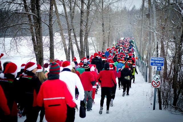 Vous n'avez pas la berlue si vous avez vu un millier de pères Noël courir en... (Photo fournie par l'Armée du Salut)
