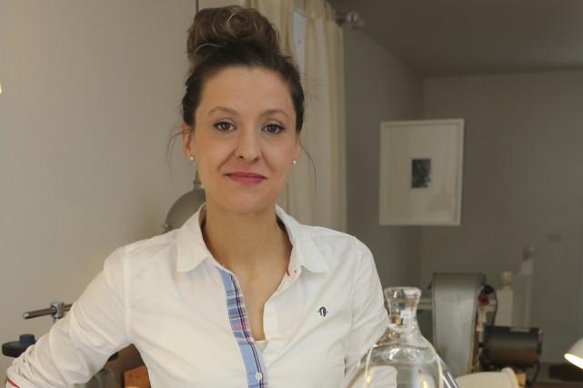 La joaillière Ariane Marois fabrique des pièces uniques... (photo Alain Dion)