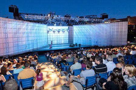 La place Nikitotek sera coiffée d'un toit rigide, non rétractable, dès l'été... (Photo site web Place Nikitotek)
