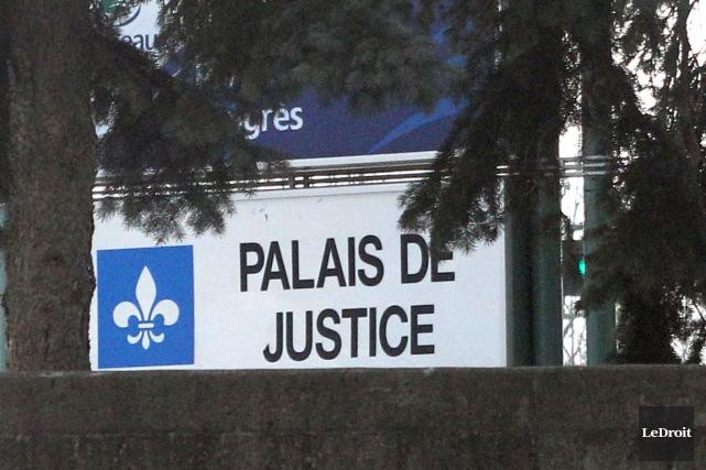 Accusé d'avoir menacé de tuer un juge en pénétrant dans le palais de justice de... (Archives, LeDroit)