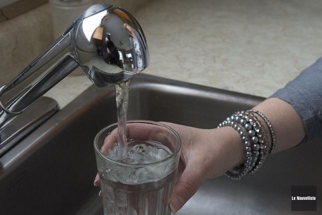 Les dépenses liées à l'eau potable engendrent les... (Photo: Stéphane Lessard, Le Nouvelliste)