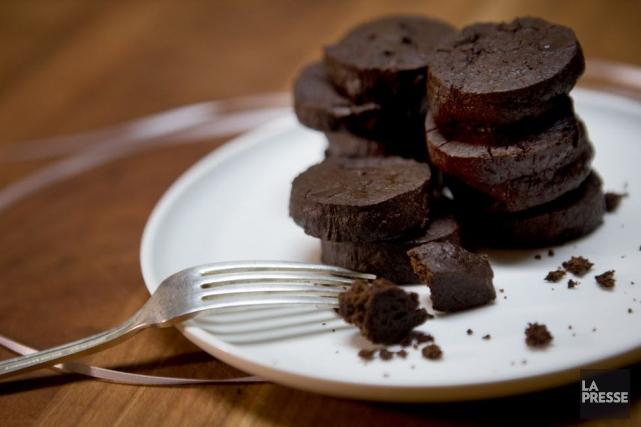 Comme ces biscuits tolèrent très bien la congélation, ils vous aideront à vous... (PHOTO MARCO CAMPANOZZI, LA PRESSE)