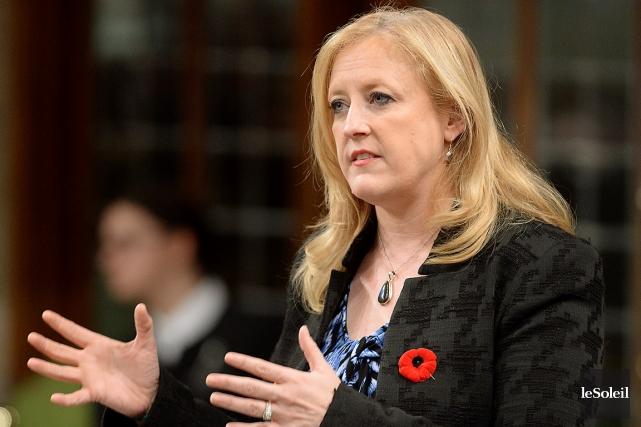La ministre des Transports, Lisa Raitt, a récemment... (Photothèque Le Soleil)