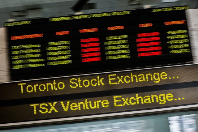 La Bourse de Toronto a clôturé lundi sans grand changement, les opérateurs... (PHOTO MARK BLINCH, ARCHIVES REUTERS)
