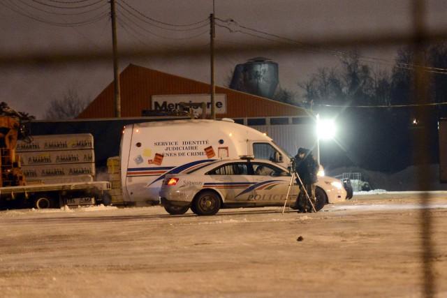 Un travailleur de 57 ans est mort après avoir été coincé entre son chariot... (Jeannot Lévesque)
