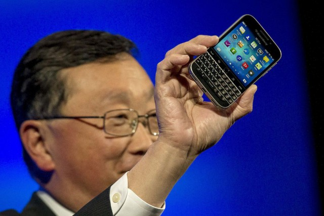 Le chef de la direction de BlackBerry, John Chen, a... (Photo Brendan McDermid, REUTERS)