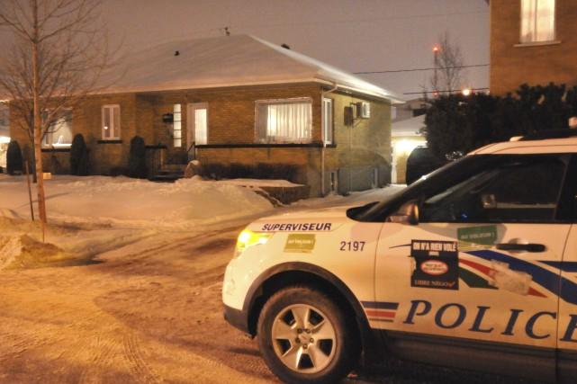 Un octogénaire a été retrouvé sans vie, hier soir, dans sa résidence de la rue... (Michel Tremblay)