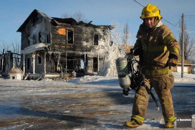 Un homme aurait intentionnellement allumé l'incendie qui a... (Photo: François Gervais, Le Nouvelliste, Archives)