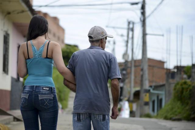 Dans certaines familles, enfants et parents ont même... (PHOTO RAUL ARBOLEDA, AFP)