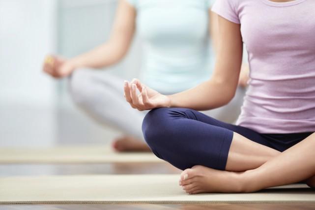 Les chercheurs croient que l'effet positif du yoga... (Photo Digital/Thinkstock)