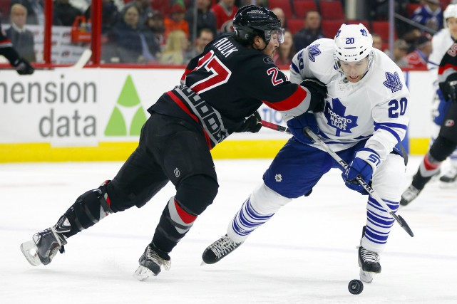 Justin Faulk a obtenu un but et une passe et les Hurricanes de la Caroline, la... (Photo USA Today Sports)