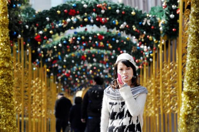Noël s'affiche partout dans un pays où l'État,... (Photo Philippe Lopez, AFP)