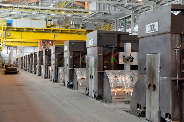 L'aluminium produit à l'usine Arvida est coulé en... (Photo Archives AP)