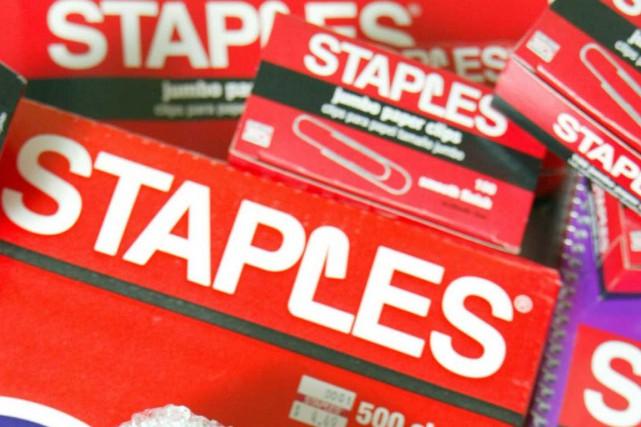 La chaîne américaine de magasins de bureautique Staples a indiqué vendredi que... (PHOTO JULIA MALAKIE, AP)