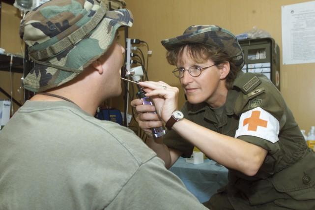 L'armée mise sur l'éducation et la prévention et... (Photo La Presse Canadienne)