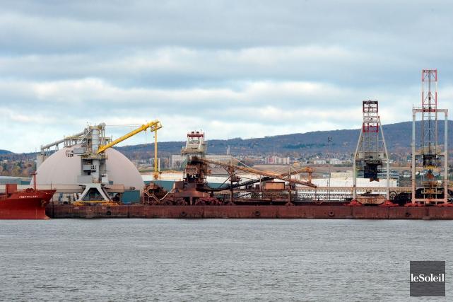 Une vue du port de Québec... (Photothèque Le Soleil, Erick Labbé)