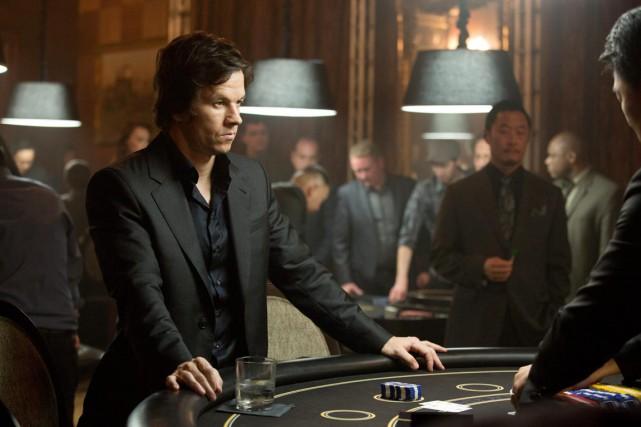 Un joueur compulsif (Mark Wahlberg) prend les grands... (PHOTO FOURNIE PAR PARAMOUNT PICTURES)