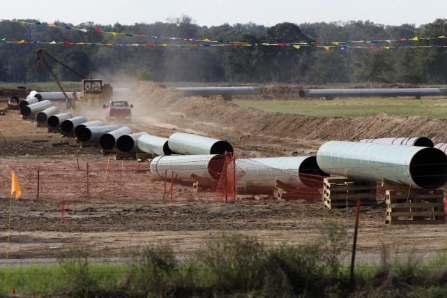 Les oléoducs ont été le centre de débats... (Photo Tony Gutierrez, archives La Presse Canadienne)