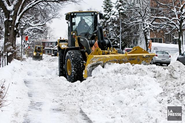 La première tempête de la saison a constitué un test crucial pour Montréal, la... (PHOTO PATRICK SANFAÇON, LA PRESSE)