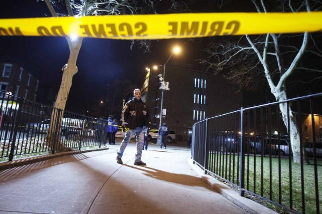 Selon les médias, les deux policiers ont été... (Photo Carlo Allegri, REUTERS)
