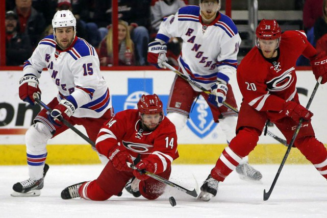 Les Rangers de New York ont signé une... (Photo Karl B DeBlaker, AP)