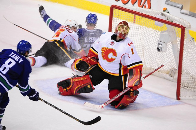 Christopher Tanev... (Photo Anne-Marie Sorvin, USA TODAY Sports)