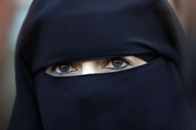 Sur 1019 personnes interrogées, 62% voudraient bannir le... (Photo: AFP)