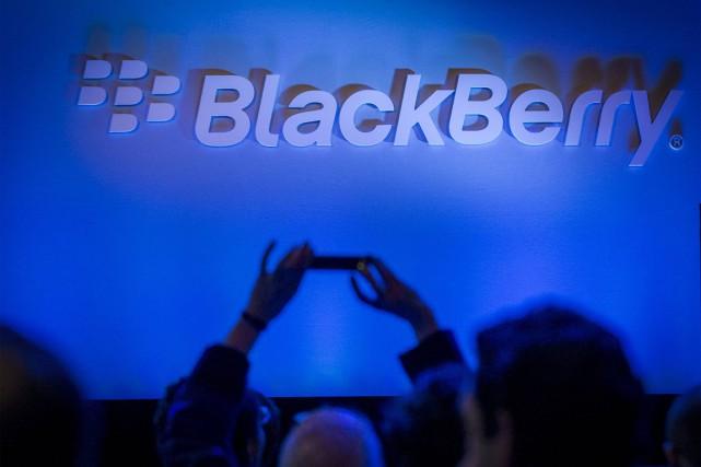 BlackBerry(T.BB)a remis à plus tard son plan visant à mettre... (PHOTO BRENDAN MCDERMID, REUTERS)