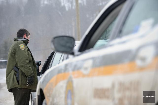 La Sûreté du Québec (SQ) a eu maille à partir avec des conducteurs pour le... (Archives La Tribune)