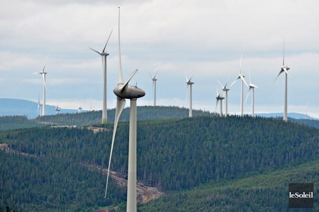 Le prix de l'électricité de source éolienne a... (PHOTO: PASCAL RATTHÉ, ARCHIVES LE SOLEIL)