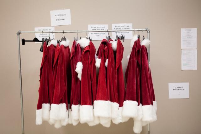 Deux hommes déguisés en père Noël sont recherchés à la suite d'un vol qualifié...