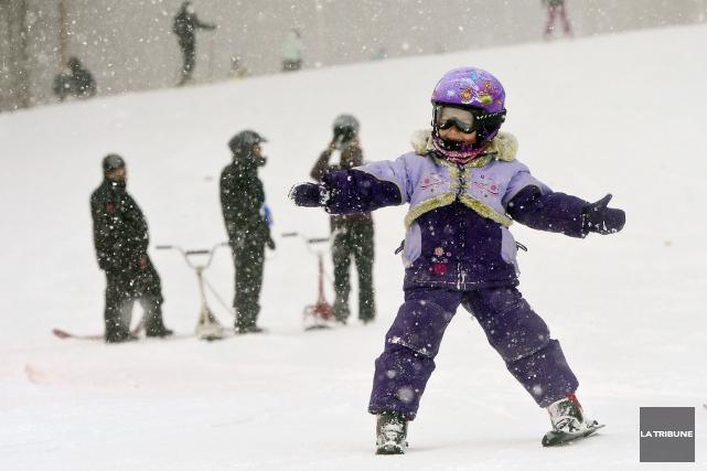 À temps pour le congé des Fêtes, la station de ski du montBellevue a mis en... (Archives La Tribune, Jocelyn Riendeau)