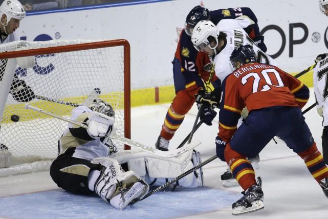 Aleksander Barkov a marqué le seul but de la séance de tirs de barrage, et les... (Photo AP)
