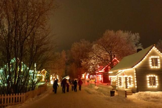 Après le village hanté, c'est au tour du village illuminé du Village québécois... (Photo Facebook)