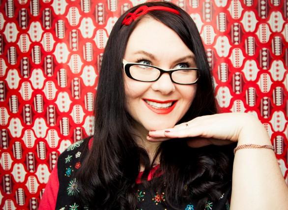 Hani Ferland est une spécialiste des Fêtes. Profitez... (Autoportrait Hani Ferland)