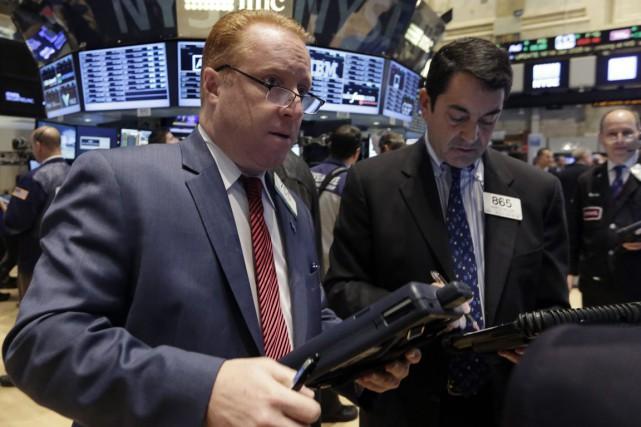Wall Street s'est encore repliée jeudi, pour la cinquième séance consécutive,... (PHOTO RICHARD DREW, ARCHIVES AP)