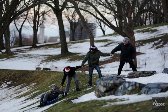 Zacharya, avec la complicité d'Othman, et de leur... (PHOTO MARTIN CHAMBERLAND, LA PRESSE)