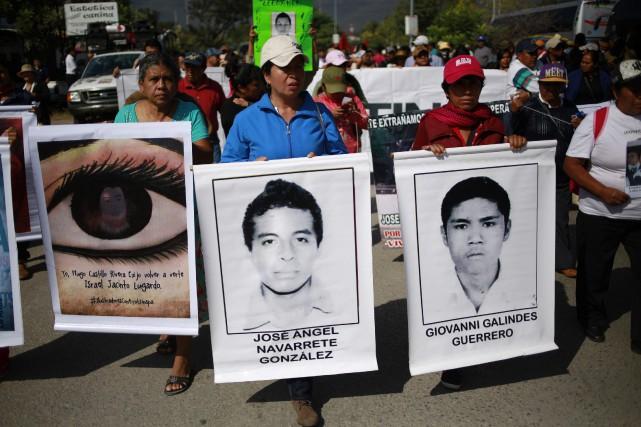 Les manifestants ont ainsi voulu marquer la poursuite... (Photo Jorge Dan Lopez, Reuters)