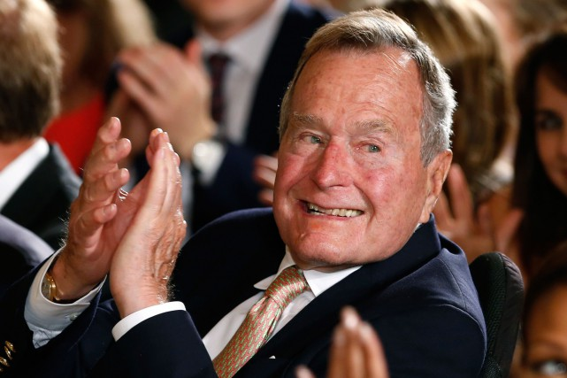 George H. W. Bush... (Photo archives Reuters)