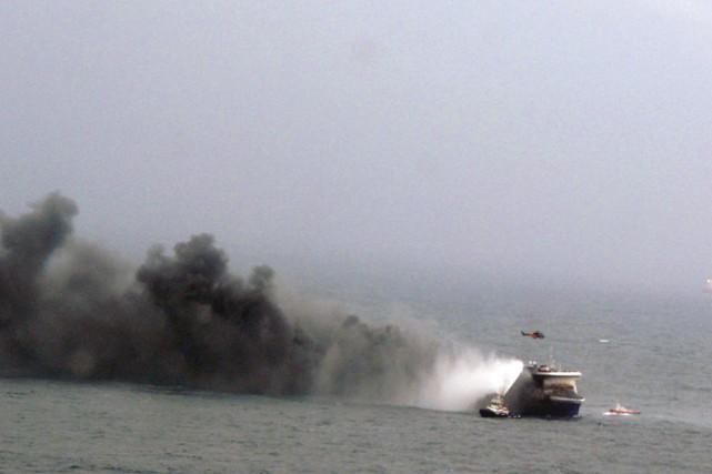 La marine militaire italienne, qui coordonne les secours,... (Photo AP/Marine italienne)