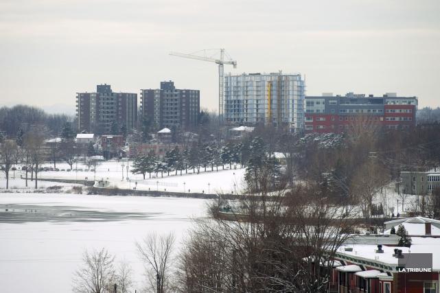 La Ville de Sherbrooke engrangera en 2015 une... (IMACOM, Julien Chamberland)