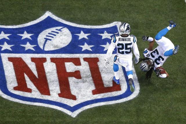 Les Panthers (7-8-1) seront les hôtes d'un match... (Photo John Bazemore, AP)