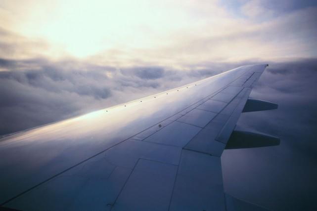 Au moins 6 personnes sont mortes dimanche dans l'accident d'un avion dans les... (Photos.com)