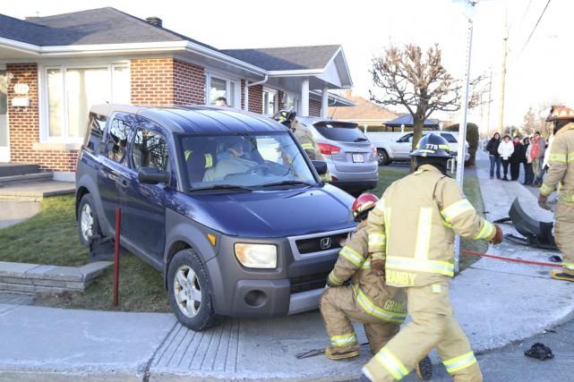 Une conductrice de 49ans a été blessée dans... (photo Janick Marois)