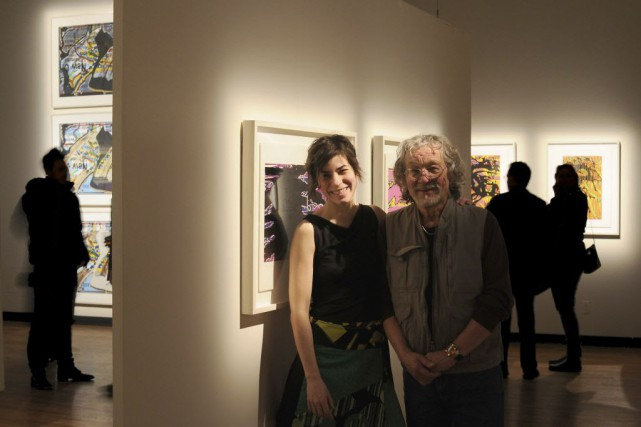 Jacques Hurtubise, photographié avec la commissaire Nathalie Miglioli,... (Photo Paul Bradley, fournie par la Maison de la culture Frontenac)