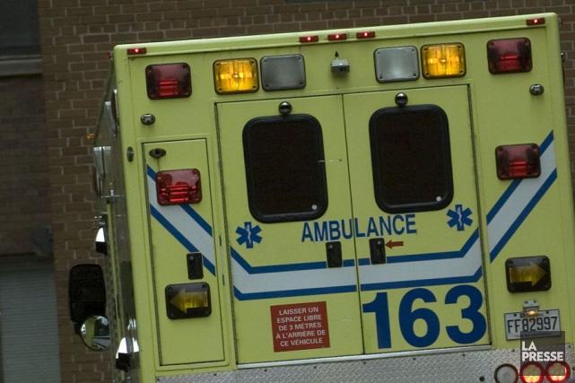 Deux ouvriers de voirie ont été blessés en tout début de nuit, mardi, sur un... (Archives La Presse)
